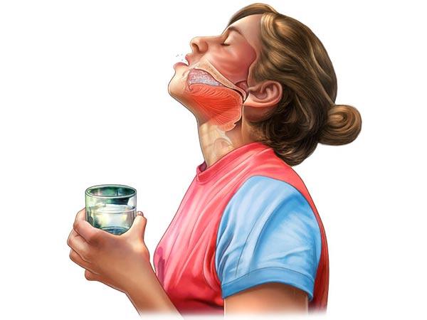 полоскание горла раствором из соли