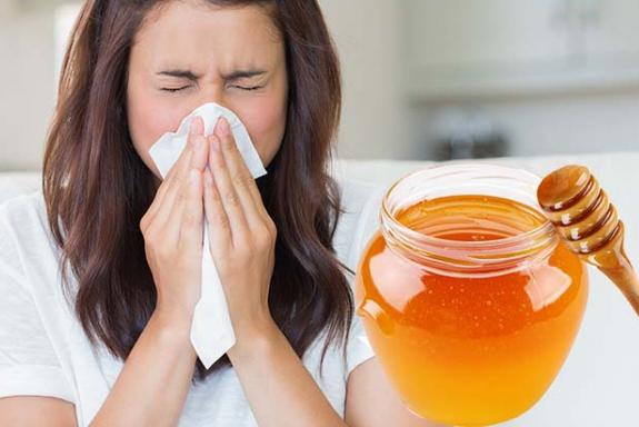 мед и насморк у девушки