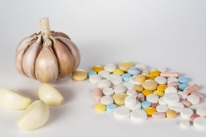 чеснок и таблетки