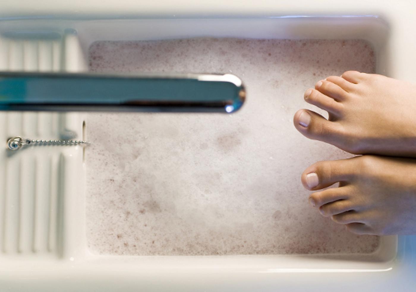 Можно парить ноги при бронхите и температуре thumbnail