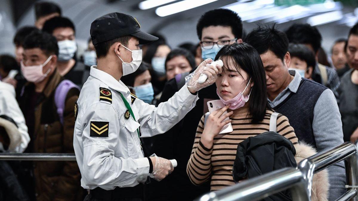 китайцы в метро